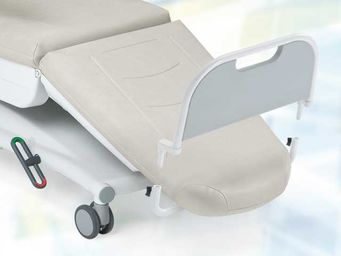 Footrest with removable footrest board