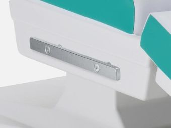 Normschienen (2-teilig, rechts und links am Sitzteil befestigt)